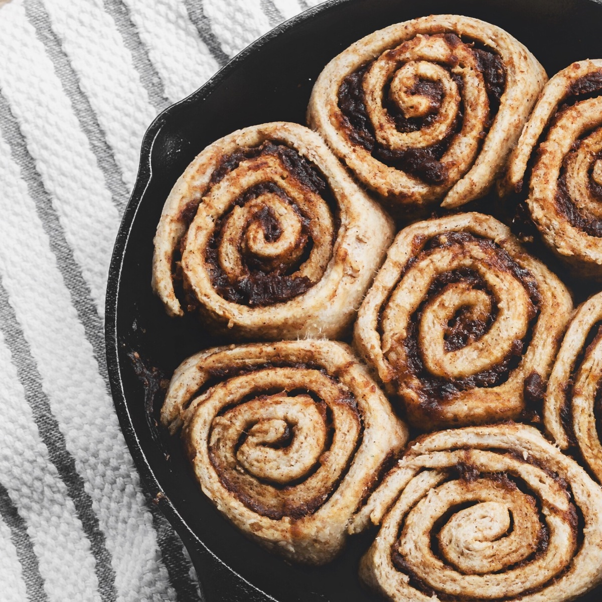Date Sweetened Cinnamon Sticky Buns